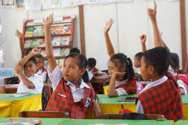 Goes To School di Pulau Saparua.