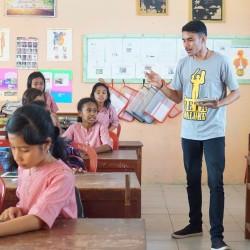 Goes To School di SD Pertiwi Ambon